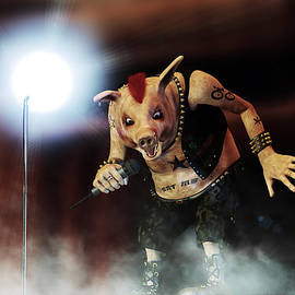 Liam Liberty - Pig Vicious - Hog Save The Queen