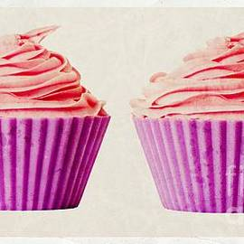 Edward Fielding - Pink Cupcakes