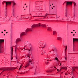 Sue Jacobi - Pink Fresco Palace Queen Maids 4 Udaipur Rajasthan India