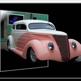 Thomas Woolworth - Pink Hot Rod 02