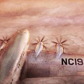 Mike Savad - Plane - Pilot - Tropical getaway