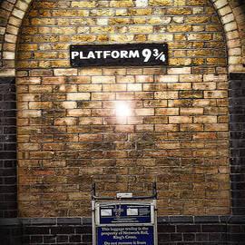 Joanna Madloch - Platform 9 3/4