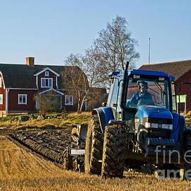 Torbjorn Swenelius - Ploughing