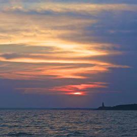 Amazing Jules - Point Gammon Lighthouse