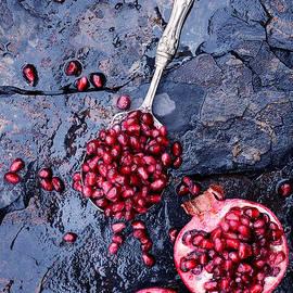 Stephanie Frey - Pomegranates