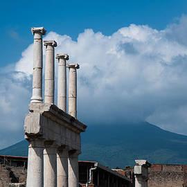 Zina Zinchik - Pompeii Ruins - Forum columns