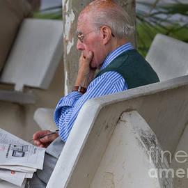 Dan Hartford - Pondering the paper Maiori Italy