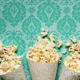 Isabel Poulin - Popcorn
