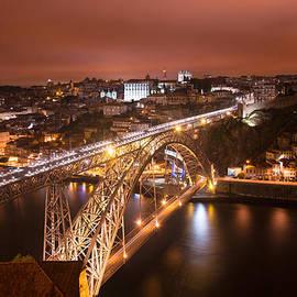 Musa GULEC - Porto at night