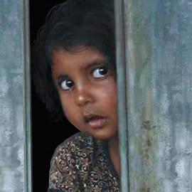 Matthew Schwartz - Portrait of a Pakistani Girl