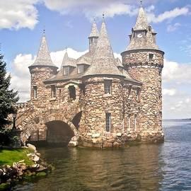 Stephanie Moore - Power House at Boldt Castle