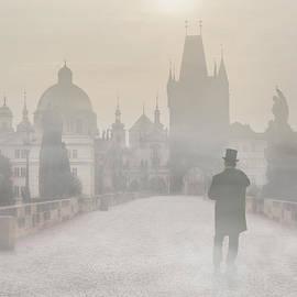 Jaroslaw Blaminsky - Prague in the morning fog