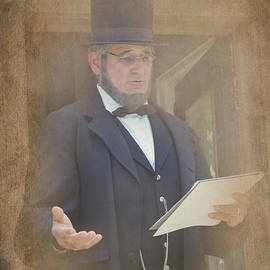 J Laughlin - President Lincoln Addresses the People