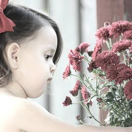 The Art Of Marilyn Ridoutt-Greene - Pretty Little Flower