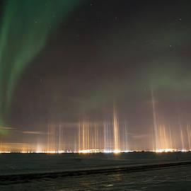 Sam Amato - Prudhoe Bay Aurora And Ice Fog Pillars