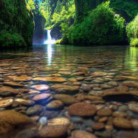 Dustin  LeFevre - Punch Bowl Falls