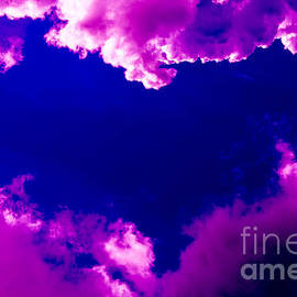 Kerstin Ivarsson - Purple heart and pink clouds