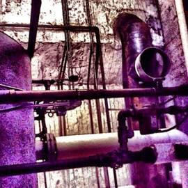 DarkLight Mike - Purple Piper