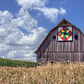 Nikolyn McDonald - Quilt Barn - Double Windmill
