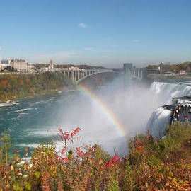 Richard Andrews - Rainbow at the American Falls