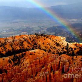 Eva Kato - Rainbow over Bryce Canyon