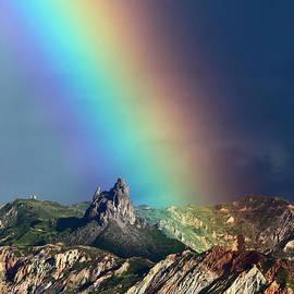James Brunker - Rainbow Over La Muela del Diablo
