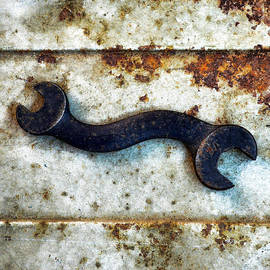 Tom Druin - Raw Steel-curvature