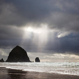 Andrea Gingerich - Rays of Sunlight on Cannon Beach