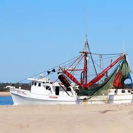 Cynthia Guinn - Red And White Shrimp Boat