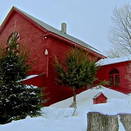 Elizabeth Tillar - Red Barn in Snow Flurries