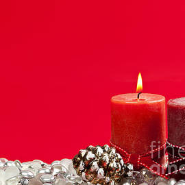 Elena Elisseeva - Red Christmas candles