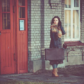 Magdalena Wolk - Red Doors