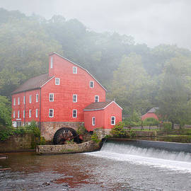 Dustin Farnum - Red Mill In Fog