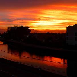 Kim Andelkovic - Red Sky