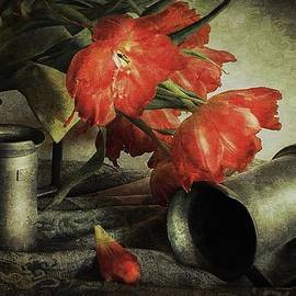 Hugo Bussen - Red tulips and tin jars