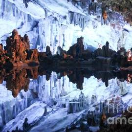 Thomas Marchessault - Reed Flute Cave Guillin China
