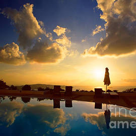 Aiolos Greek Collections - Reflection of Sunset