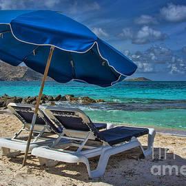 Ken Johnson - Relaxing in St Maarten