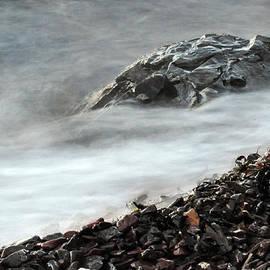 Randi Grace Nilsberg - Restless Water