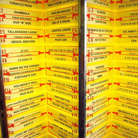 Diane McElhaney - Retro Yellow Jukebox Music