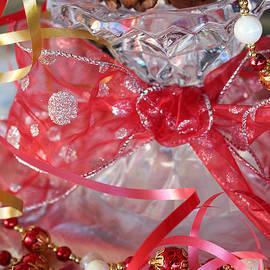 Ella Kaye Dickey - Ribbons and Bows - A Christmas Tradition