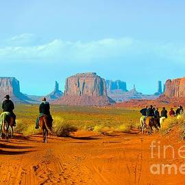 Barbara Zahno - Riders at Monument Valley