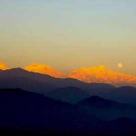 Vishva Vajra - Rising Moon Setting Sun