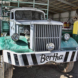 Douglas Barnard - Road Train Bertha