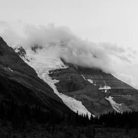 Iain Shriver - Robson Under The Fog