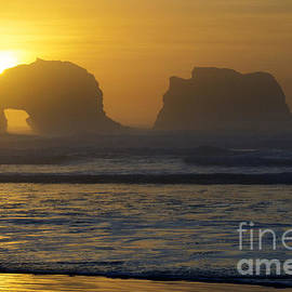 Bob Christopher - Rockaway Beach Oregon Turning The Sky To Gold