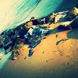 Candy Floss Happy - Rocks / beach