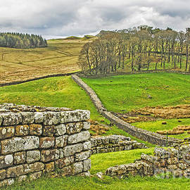 Elvis Vaughn - Roman Fort and Roman Wall and  English Countryside
