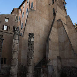 Georgia Mizuleva - Rome - Centuries of History and Architecture