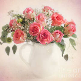 Carolyn Rauh - Roses in a bouquet